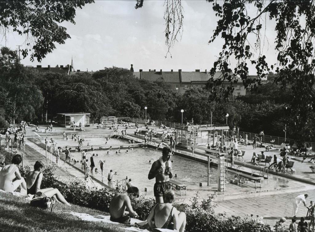 Vanadisbadet en solig dag år 1962.